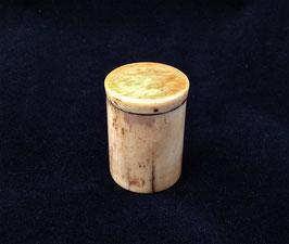 Petite boîte à opium en os et ivoire