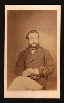 CDV : Photographe anonyme (Ile des Pins ?) : Portrait de militaire (1876)