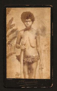 CDV : Léon Devambez, Nouméa : Femme canaque (c. 1885)