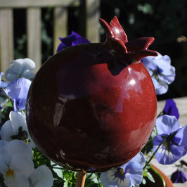 Granatapfel aus Keramik