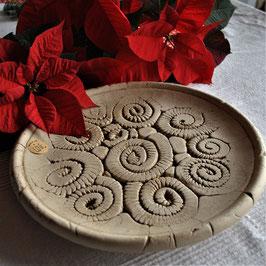 Große Keramikschale im Schneckendesign