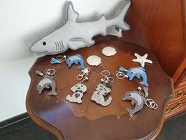 Schlüsselanhänger mit diveresen Tiermotiven aus Glitzersteinchen