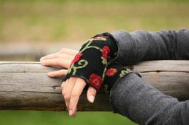 Stulpen Wolle schwarz mit Blumenranken rot grün