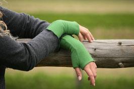 Stulpen Daumenloch Merinowolle frisches Grün