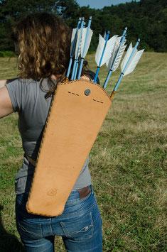 Rückenköcher Ricybow Groß aus starkem Glattleder in bester Sattlerqualität