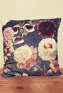 Velvet kussen met bloemen blauw