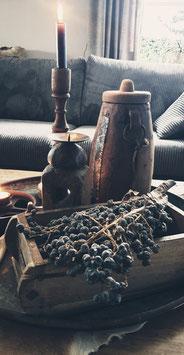 Oude Nepalese pot met deksel