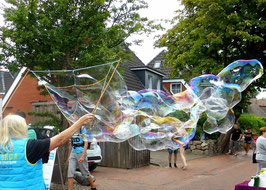Schmetterligsflügel mit 7 Öffnungen, zaubert XXL Seifenblasen