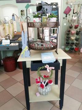 Tischchen mit Schublade und Zwischenboden - Einzelstück