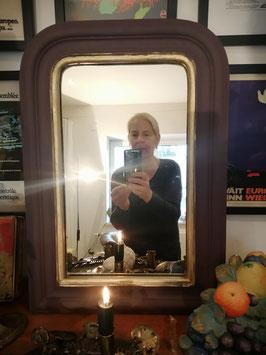 Einzigartiger, alter Spiegel mit Goldrand aufgearbeitet in der Farbe Aubergine - Ein Einzelstück zum Verlieben! - VERKAUFT
