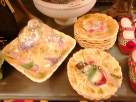 Zauberhafte Vintage Teller mit Früchtemotiv