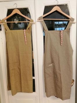 Kleidsame Schürzen handgenäht von Kleine Manufaktur, Bern/Schweiz