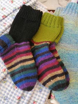 Handgestrickte Socken von Kleine Manufaktur, Bern/Schweiz - Einzelstücke