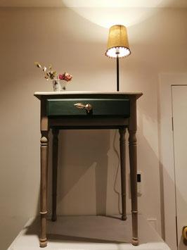 """Reizendes aufgearbeitetes Tischchen """"Coco""""  - Einzelstück - VERKAUFT"""
