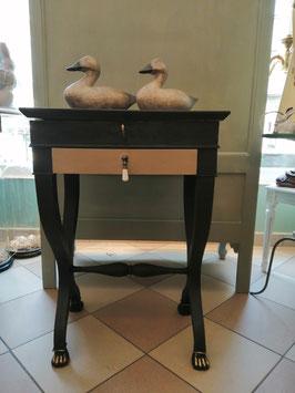 """Elegantes Tischchen """"Coco/Athenian""""  - Einzelstück - VERKAUFT"""