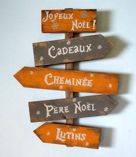Décoration de Noël personnalisable, panneau orange et taupe fléché en bois de palette