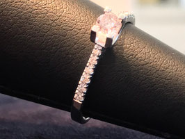 503030 Ring, in Weissgold 14kt, Natural Fancy Pink Diamont 0.30 ct, mit Zertifikat