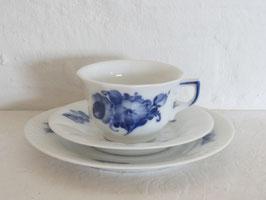 ROYAL COPENHAGEN, BLÅ BLOMST (BLUE FLOWERS), Cup & Saucer & Plate