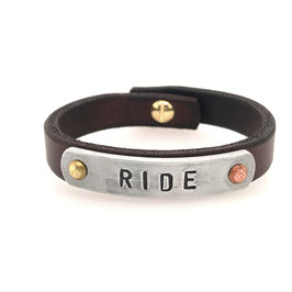 Art. N° 4146 -22-06 Message-Armband