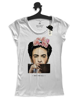 SMOKING FRIDA