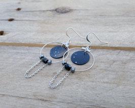 Boucles d'oreilles rondes, peinture abstraite argentée, anneaux chaînes et billes