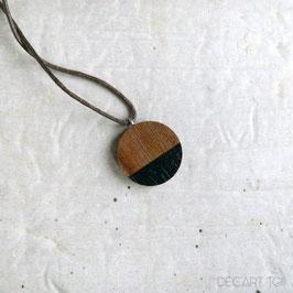 Pendentif minimaliste rond en bois du Québec recyclé (noyer), corde ou chaîne