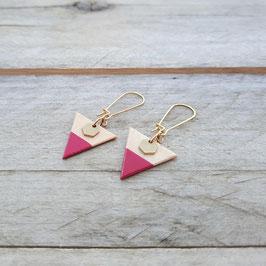 """Boucles d'oreilles triangles 3/4"""" avec hexagones de laiton"""