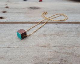 Collier minimaliste Cube de bois brun - Chaîne dorée