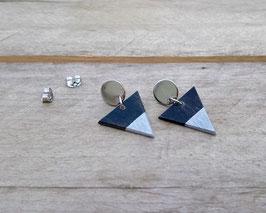 """Boucles d'oreilles triangles 3/4"""" sur """"studs"""" argent ronds en acier inoxydable"""