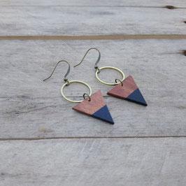 """Boucles d'oreilles triangles 3/4"""" avec anneau de laiton brut"""