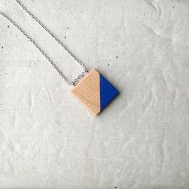 Pendentif minimaliste carré en bois canadien (hêtre), corde ou chaîne à votre choix