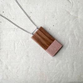 Pendentif minimaliste rectangle en bois (noyer péruvien), corde ou chaîne à votre choix