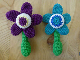 kleine Rassel Blume