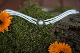 """Kropfband """"Perle - mit kleinen weißen Perlen"""""""
