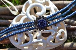 """Kropfband """"Röschen"""",  in dunklen Blau"""