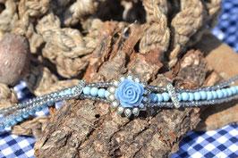 """Kropfband """"Röschen"""",  in hellen Blau"""