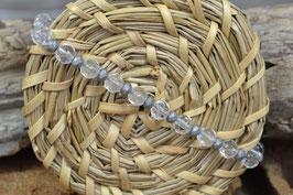 Armband mit verschieden Großen Perlen, klar und matt