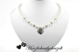 """Perlenkette """"Edelweißherz"""""""