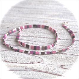 Kette Tila in rose grau