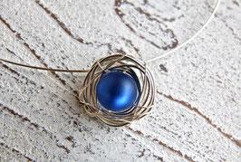 Anhänger Nest aus Silberdraht mit Polaris Perle blau