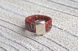 Ring aus Kork vegan Flower Power mit einem schlichten Zamak Element