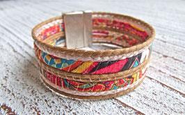 Armband aus buntem Stoffband und Kordel natur