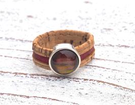 Ring aus Kork vegan 2-farbig mit einer farblich passenden Perle auf Zamak in beige und dunkelrot