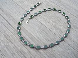Glasperlenkette mit Hämatit in grün und anderen Farben möglich