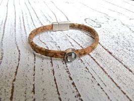 Armband aus veganem Kork mit einem Kristall in natur beige