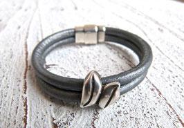 Lederarmband grau metallic mit Zamak Element Blatt