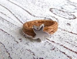 Ring aus veganem Kork mit einem Zamak Stern in beige