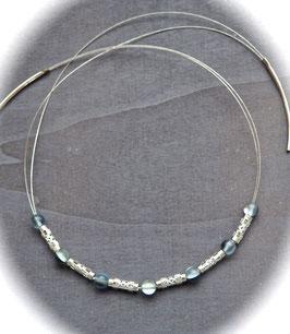 Bergkristallcollier in grau blau matt mit filigranen Edelstahlröhren
