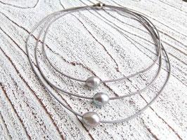 Lederkette mit Süßwasserperlen in silber grau 3- reihig