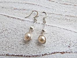 Ohrringe Nest hängend aus Silberdraht mit Kristall Perlen
